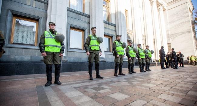 Аваков распорядился снять охрану с«хлама под Радой»