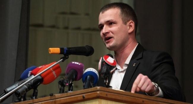 ВРаде зарегистрировали сразу два распоряжения оботставке руководителя МВД ...