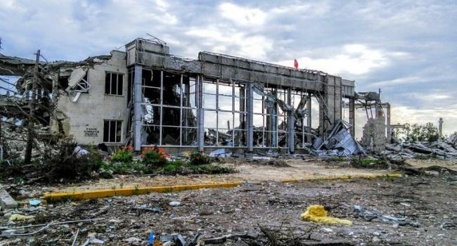 Минюст: РФ уничтожила ракетами Луганский аэропорт еще довторжения