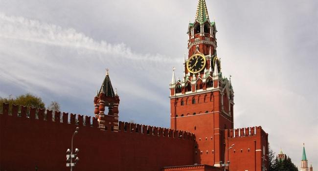Піонтковський розповів чим пожертвують у Кремлі у першу чергу