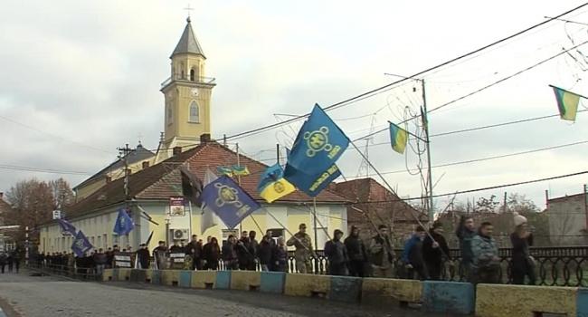 Москаль рассказал, как свободовцы едва не сожгли флаг Венгрии на Закарпатье