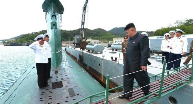 КНДР строит подводную лодку сбаллистическими ракетами