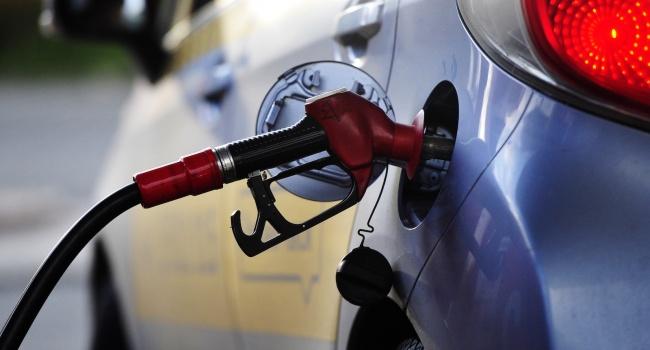 Наукраинских АЗС рекордно подскочили цены набензин А-95