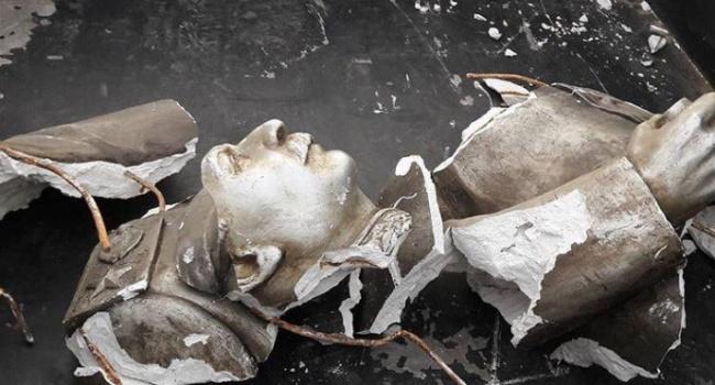 В Запорожье похитили и уничтожили бюст Иосифу Сталину