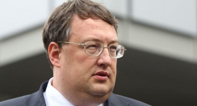 Политолог: заявления Геращенко – начало многоходовки Авакова