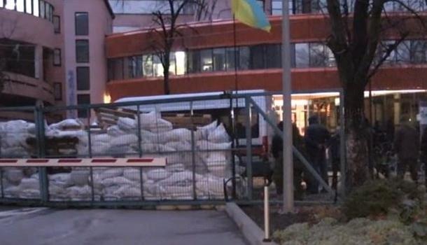 Владелец NewsOne объявил , что заблокированием офиса стоит администрация Порошенко