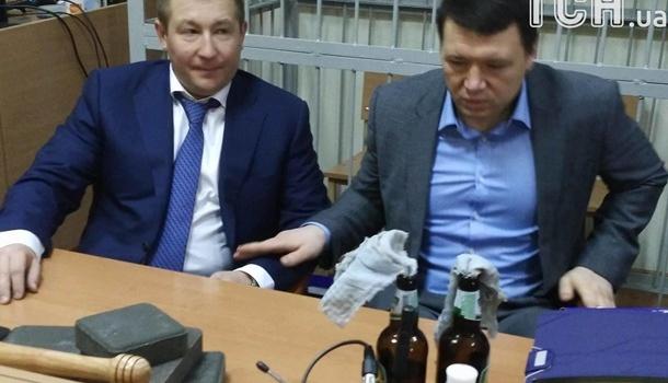 Всуд поделу Майдана принесли «коктейли Молотова»