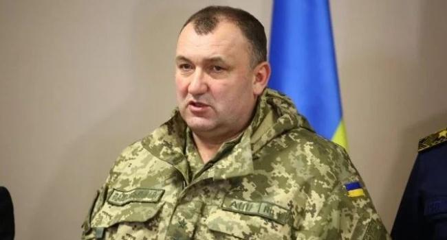 Полторак отказался отстранить подозреваемого вхищении чиновника