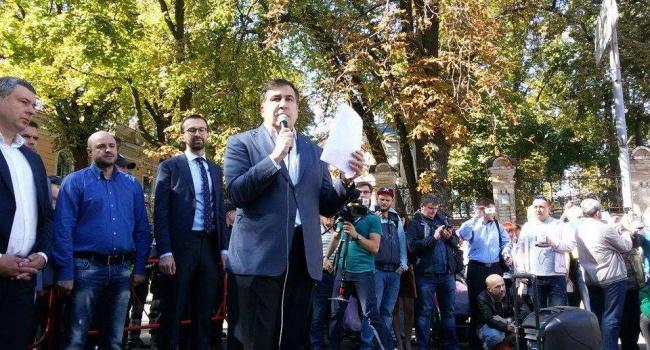 Порошенко чистил туфли Януковичу: Саакашвили гневно прокомментировал обвинения ГПУ