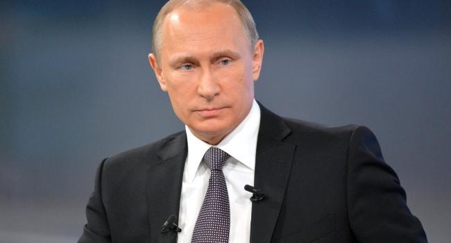 Слепая мартышка: Путин оконфузился насобственной пресс-конференции