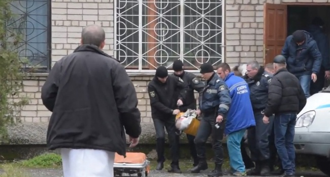 Взрыв всуде Никополя: подозреваемым непродлили арест