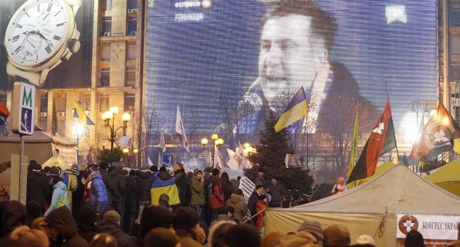 Милиция недала сторонникам Саакашвили установить сцену наМайдане