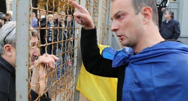 Детей народного депутата Соболева угрожают облить кислотой