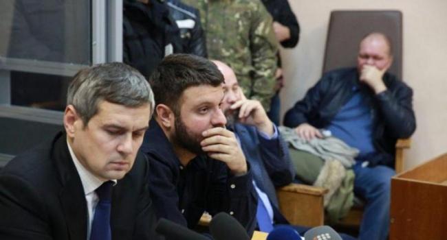 Киевский суд позволил сыну Авакова неносить электронный браслет