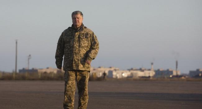 Порошенко поблагодарил Меркель иМакрона запомощь восвобождении украинских заложников