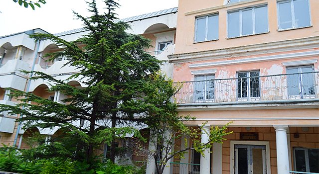 Оккупанты вКрыму убивают «Ханский дворец»— Ремонт вместо реконструкции