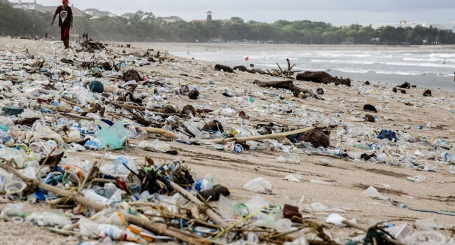 НаБали объявлено чрезвычайное положение из-за мусора