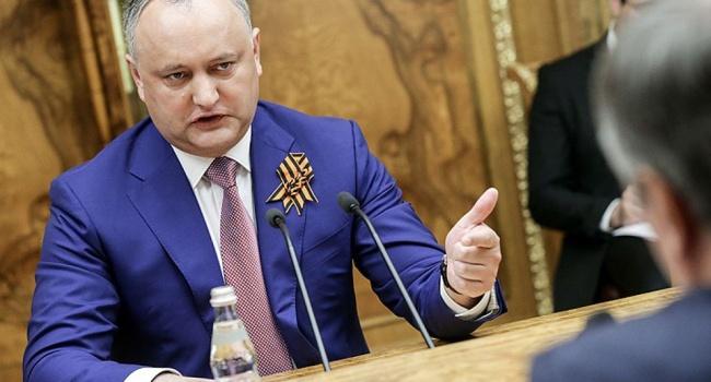Додон раскритиковал новый законодательный проект , запрещающий трансляцию русских  новостей вМолдавии