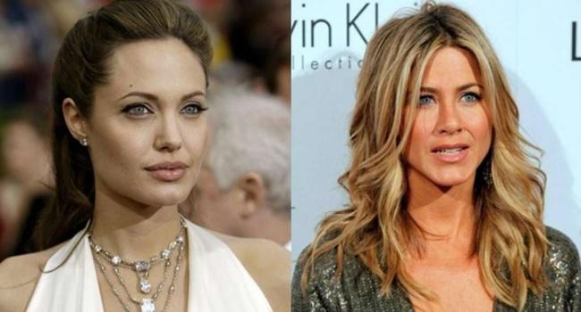 Перемирия не будет: во время выступления Энистон на «Золотом глобусе» Джоли демонстративно красила губы