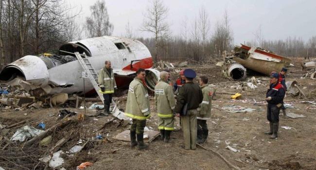 Экс-министр обороны Польши будет руководить изучением Смоленской катастрофы