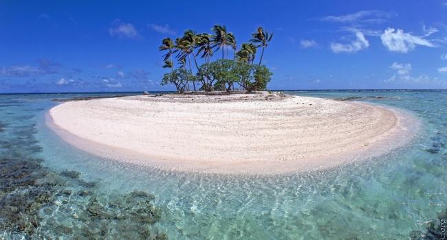 В сети показали самый маленький в мире обитаемый остров