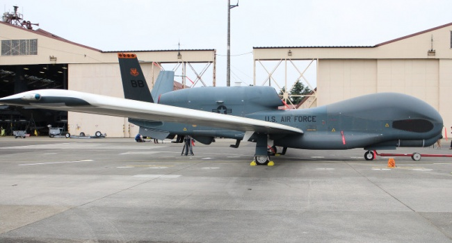 Американский самолет-разведчик пролетел в60км отСевастополя