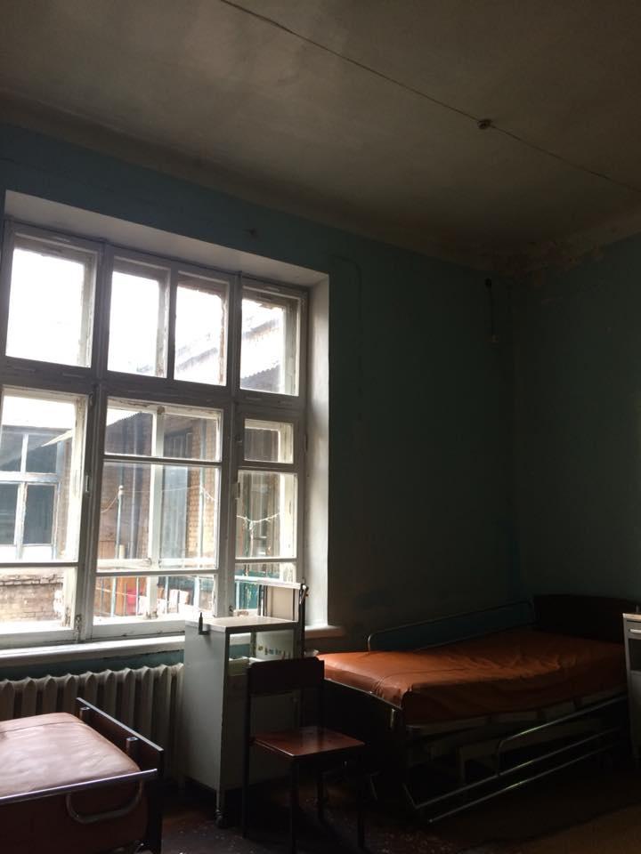 Интернет-пользователи в ужасе от фотографий детской больницы в Запорожье