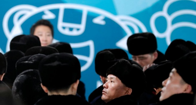 В соцсетях обсуждают форму спортсменов КНДР на ОИ в Пхенчхане: «Брежнев отдыхает»