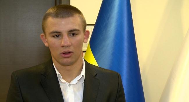 Украинец стал лучшим боксером мира в 2017