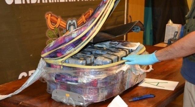 Чем живет МИД РФ в посольстве России в Аргентине обнаружили 400 кг кокаина