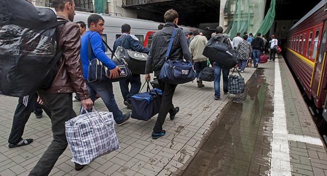 Политолог: большинство из тех, кто едет на заработки в Россию, можно назвать «коллаборантским болотом»