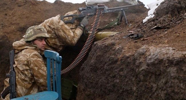 Пьяные боевики атаковали позиции сил АТО: размещены фото захваченных у«алконавтов» трофеев