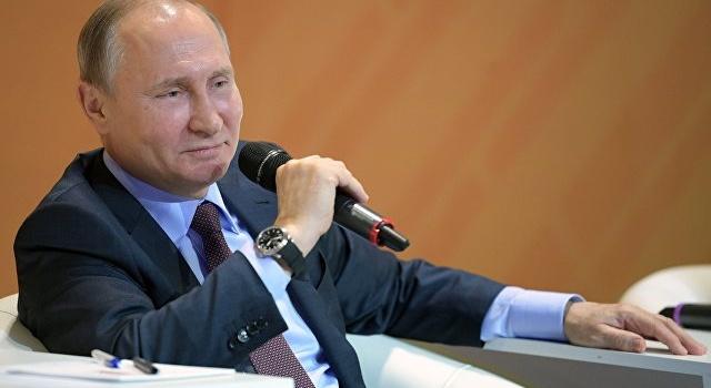 Никогда неменял российскую Конституцию инесобираюсь— Путин
