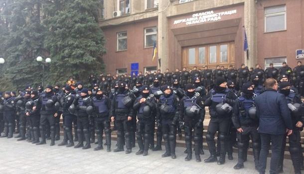 ВНиколаеве устроили масштабный митинг заотставку губернатора Савченко