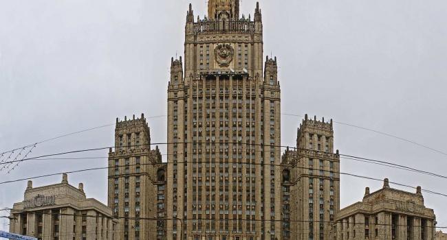 Российская Федерация высылает дипломатов 24 западных стран (+ОПРОС) (17— Зеркальные меры
