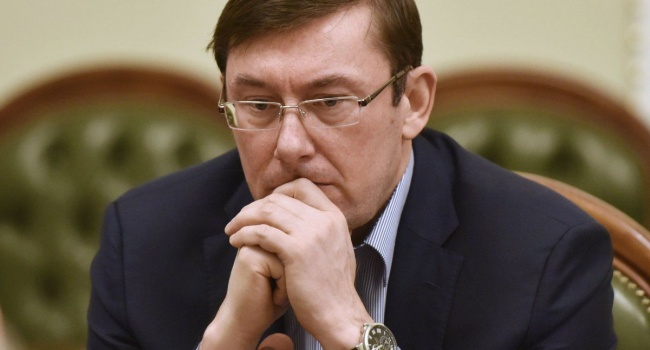 ГПУ: Навзятке $2 тысячи разоблачен рабочий Днепровской прокуратуры