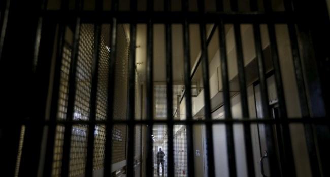 В симферопольском СИЗО заключенных кормят едой с личинками