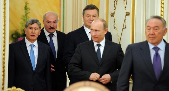 На фоне того, что «несчастный» доллар уже 65 рублей – радует, что Украина вовремя свернула с пути вступления в Таможенный союз, – блогер