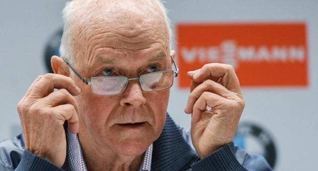 Глава мирового биатлона покинул должность из-за скандала с Россией