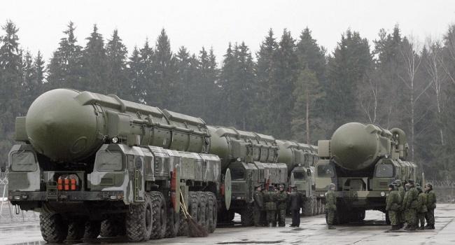 Банкир: сначала восстановление ядерного оружия, а потом уже все реформы