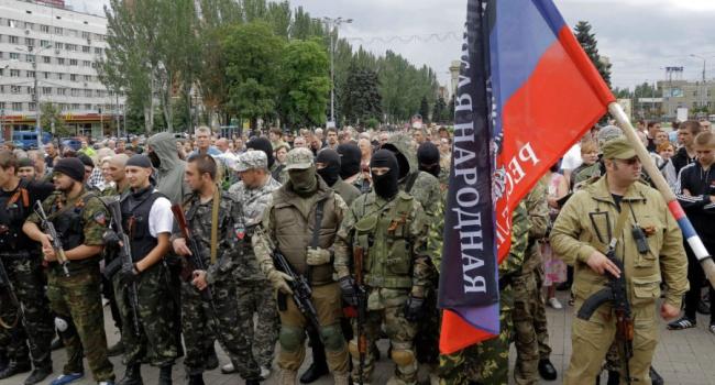 В Донецке намечается что-то серьезное: отсутствует интернет и связь, по улицам передвигается военная техника