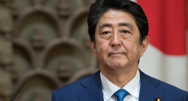 В преддверии визита в Москву Синдзо Абэ не стал церемониться и поддержал удар по войсках Асада США и коалиции