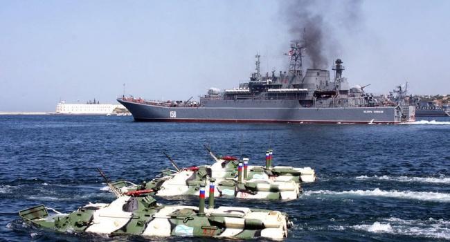 Путин отправил в Сирию десантный корабль с военной техникой на борту