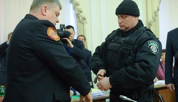 МВД: Восстановленного Бочковского судят по3 статьям, среди которых взятка