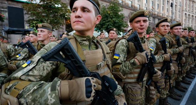 Декоммунизация: Муженко объявил овнедрении украинских военных традиций вармии