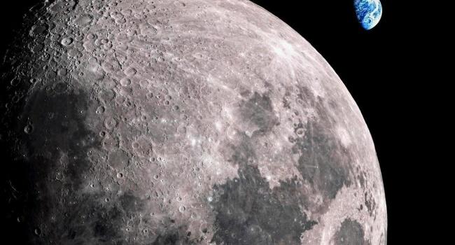 Астроном заметил возле Луны три непонятных летающих объекта