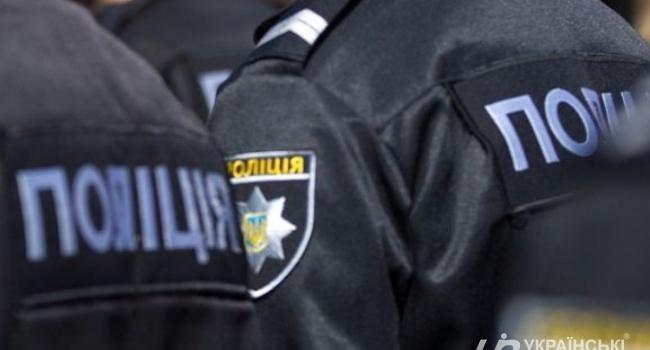 ЧП в Запорожье: полицейские расстреляли мужчину, бросившегося на них с топором