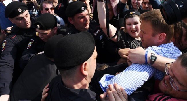Сотник: с таким протестом Кремль скоро отключит свежий воздух и запретит саму жизнь, и никто и не вякнет