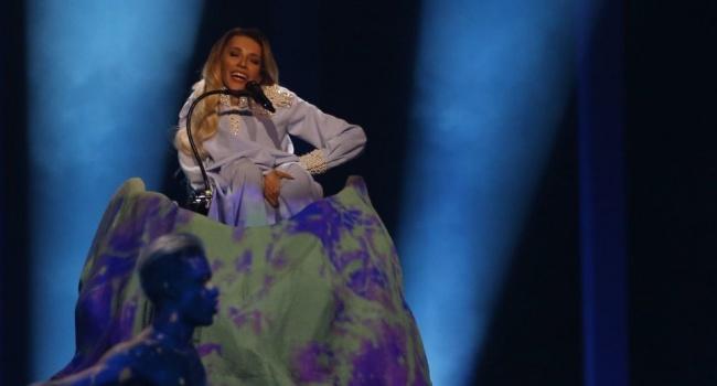 Все дело в платье: появилось новое объяснение провала Самойловой на «Евровидении»