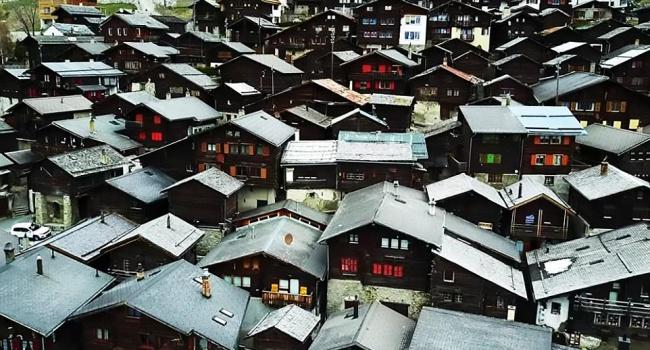 Новым жителям деревни в Швейцарии дают 70 тысяч долларов